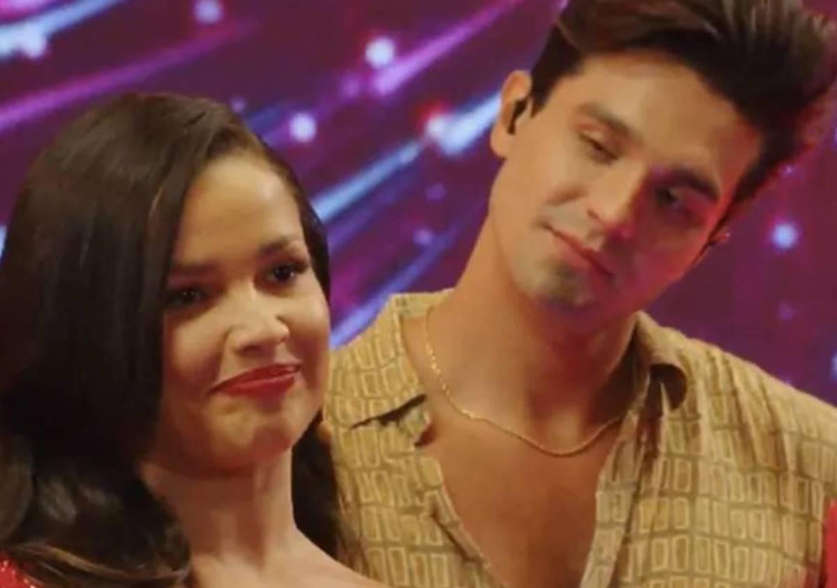 Juliette e Luan Santana trocam olhares em live